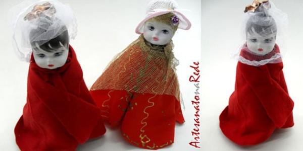 boneca-porta-copos