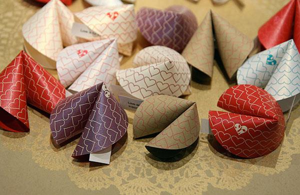 Biscoitos de sorte em papel