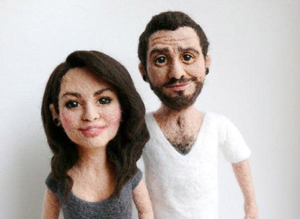 Lindo casal esculpido em feltro!