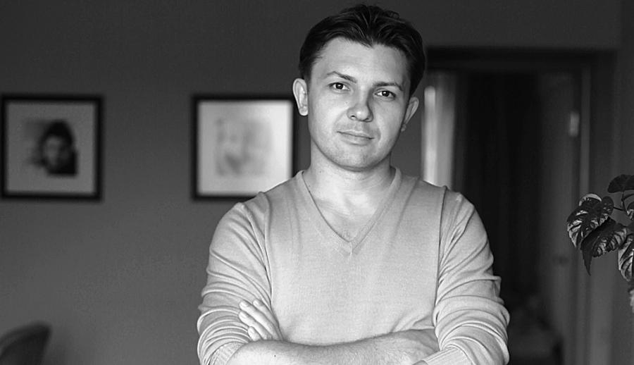 O artista Igor Mitin
