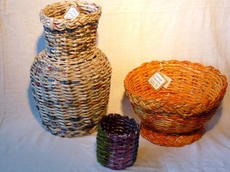 lourdes vasos de jornal