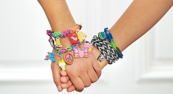 Rainbow-Loom-Hands