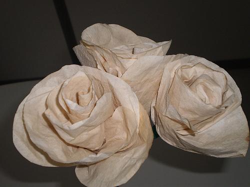 como-fazer-flores-com-filtros-de-cafe-5
