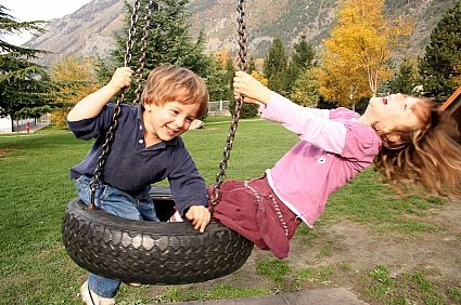 hang-tire-swing-800x800