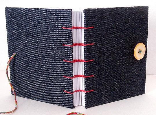 como-fazer-um-caderno-com-capa-jeans-14
