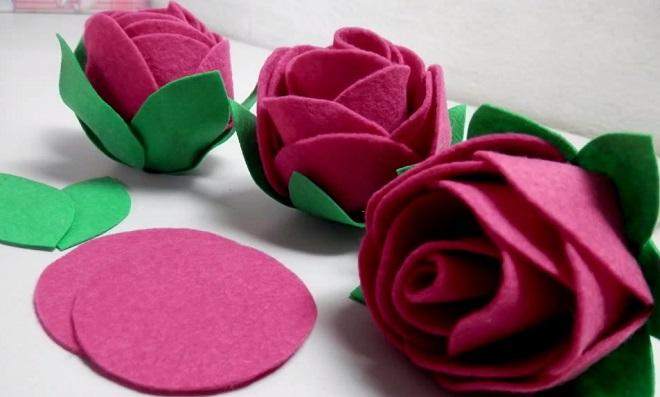 simples e linda Rosa de feltro