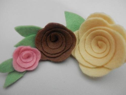 simples e linda Rosa de feltro-4
