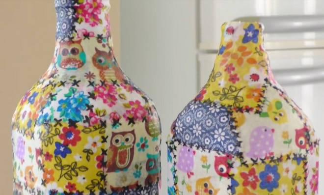 Aprenda como fazer patchwork em garrafas