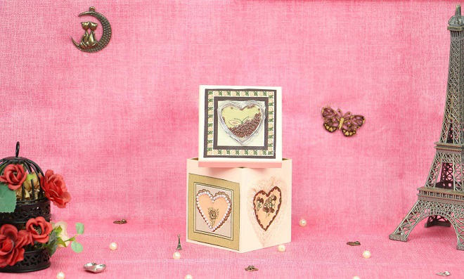 Linda caixa romântica com shaker