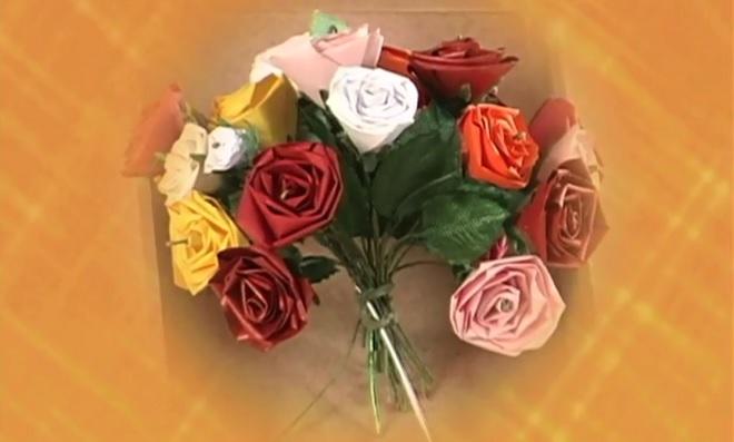 quiling-aprenda-como-fazer-uma-linda-rosa