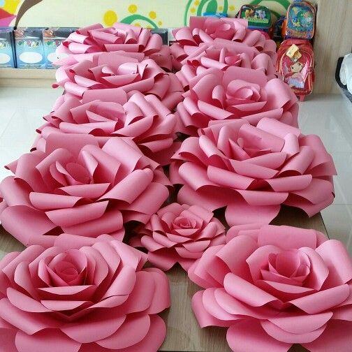 rosas-gigantes-de-papel-1