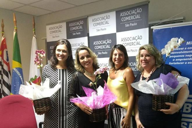 Andreia Bassan ganha Prêmio Mulher de Negócios 2017 - Homenagem