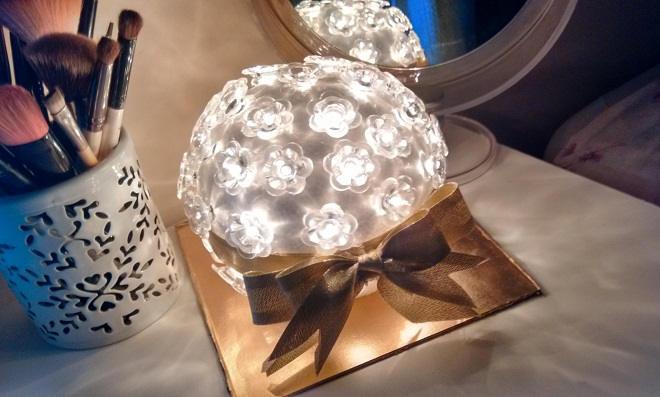 Aprenda como fazer uma luminária decorativa para sua casa