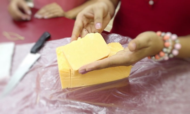 Renda extra! Aprenda como fazer sabonete em barra para venda