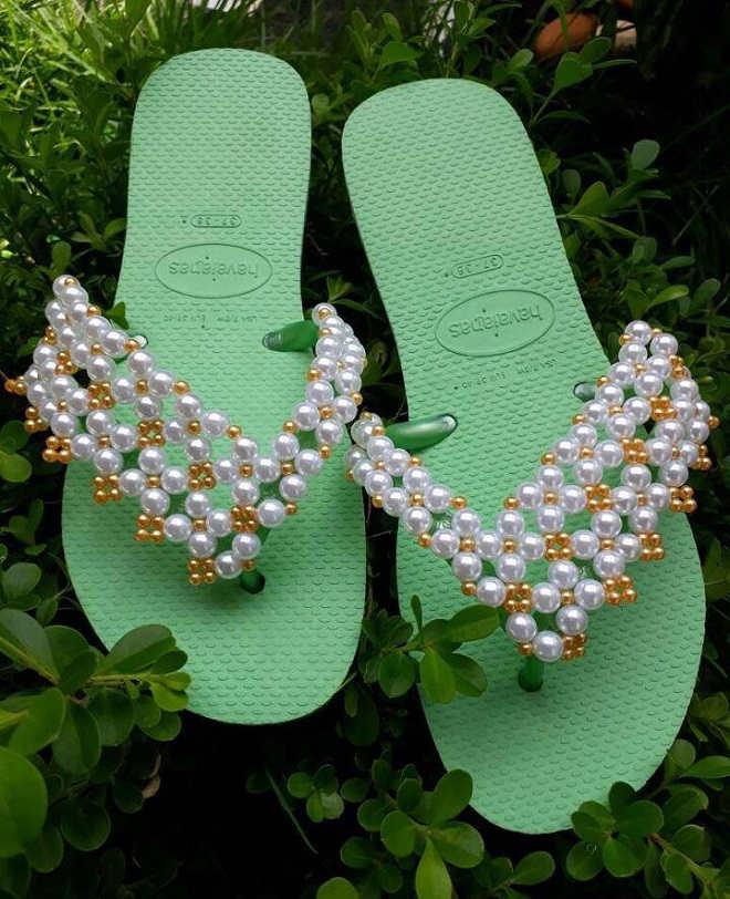 Confira 10 ideias de chinelos customizados e 1 videoaula! - Modelo 7